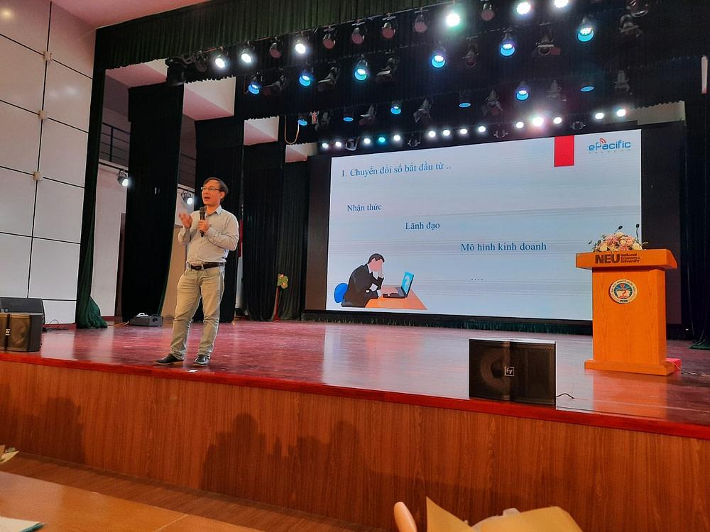 Diễn giả Nguyễn Quang Toán