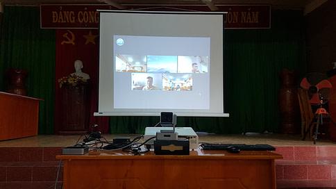 Hình ảnh lắp đặt tại điểm cầu xã Tân Phong